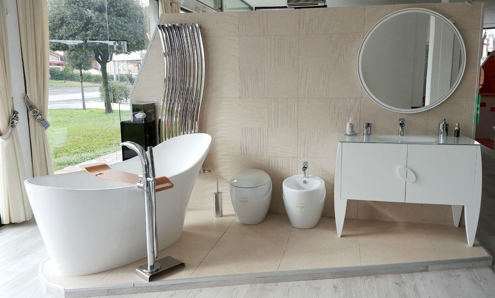 Mobili bagno moderni e classici divisione bagno for Esposizione arredo bagno